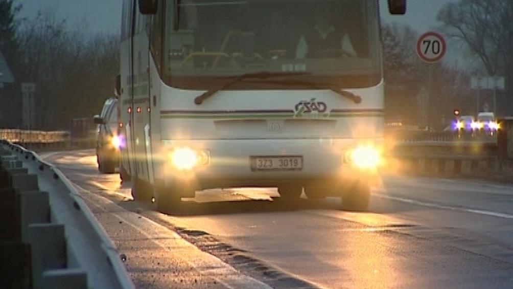 Přes Nesovice projíždí tisíce vozidel