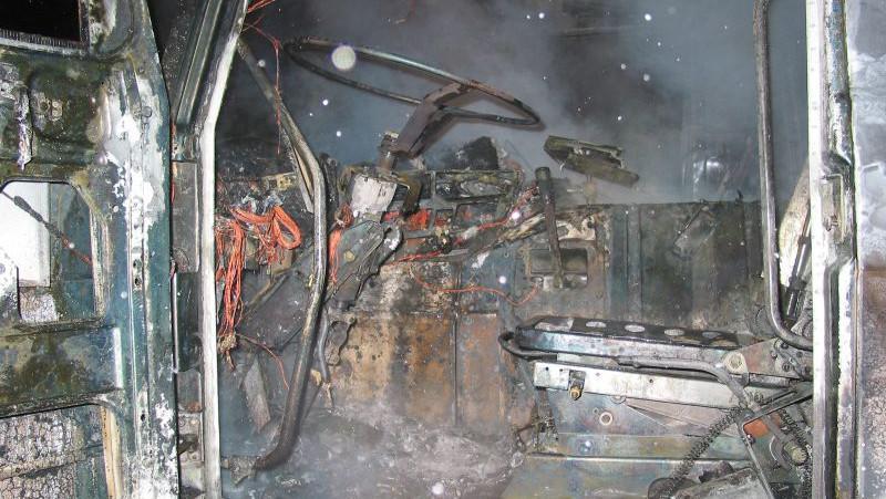 Požár posypového vozu ve Strání