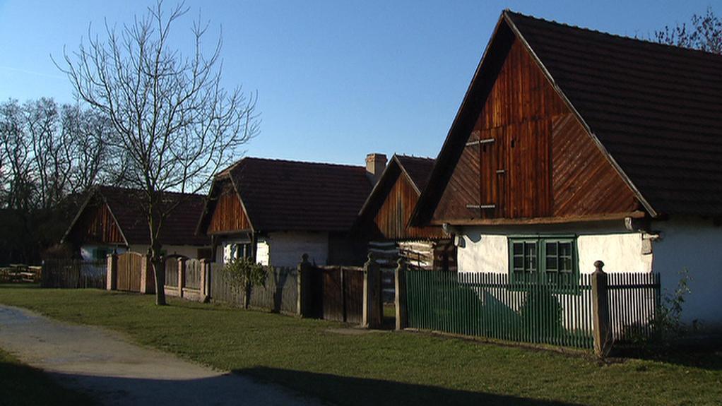 Skanzen u zámku v Přerově nad Labem