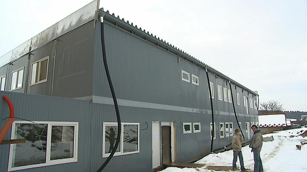 Montovaná přístavba školy ve Hvozdné