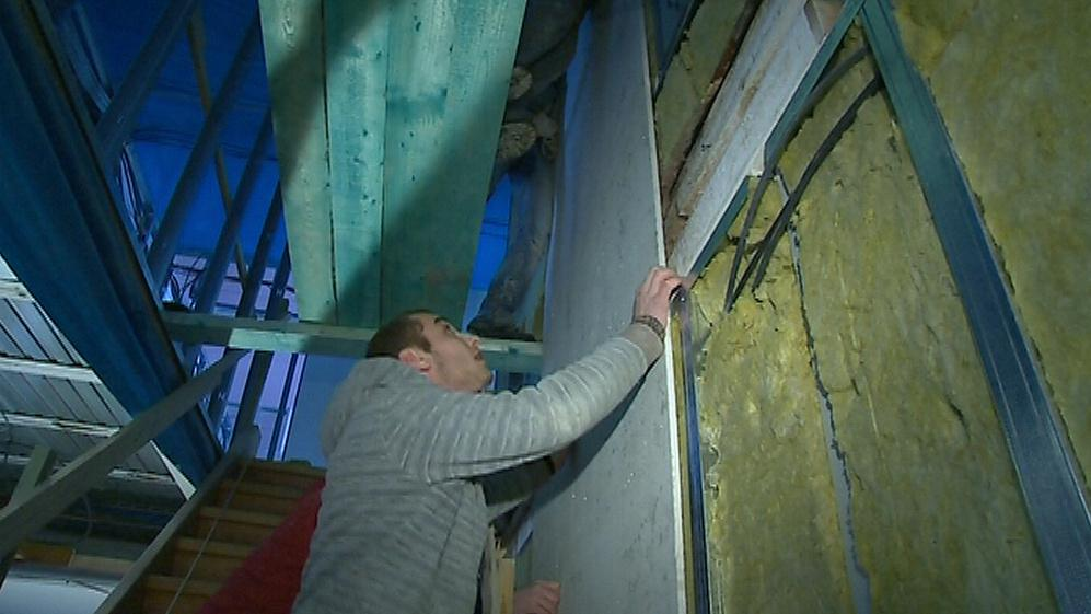 Montáž školky ve Hvozdné