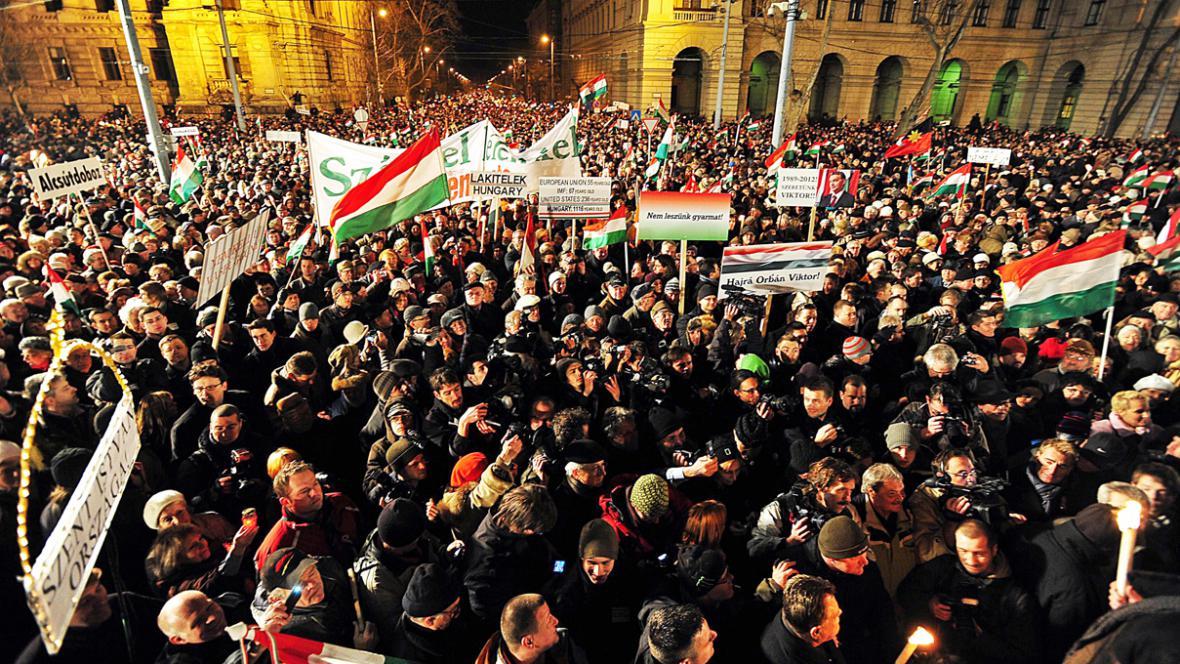 Maďaři vyjádřili podporu Orbánově vládě