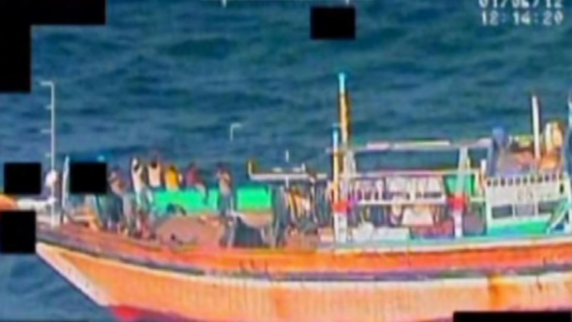 Piráti na íránské lodi se vzdali bez boje