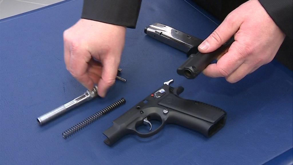 Pistole má ráži 9 mm
