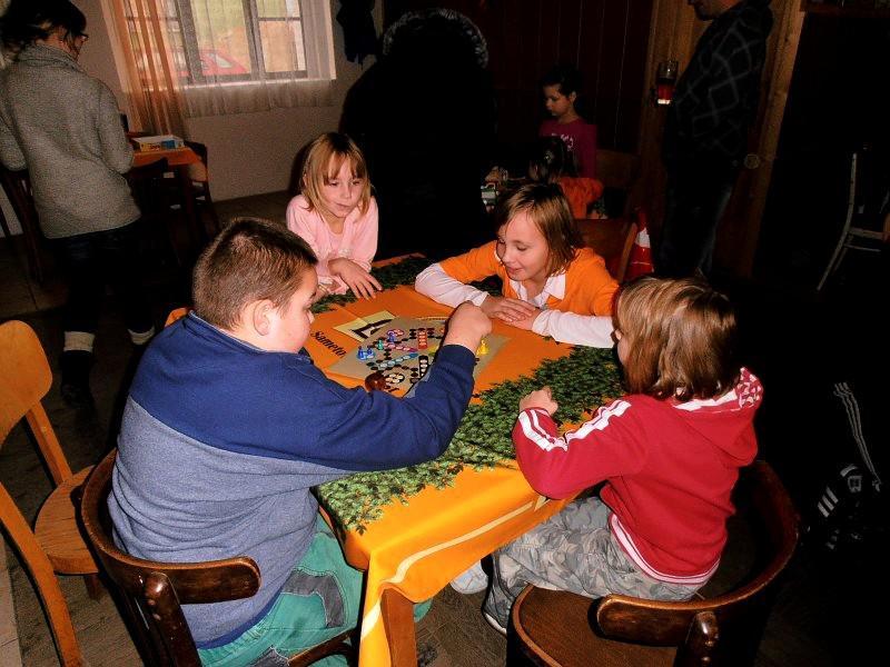 Děti hrály v Želevicích deskové hry