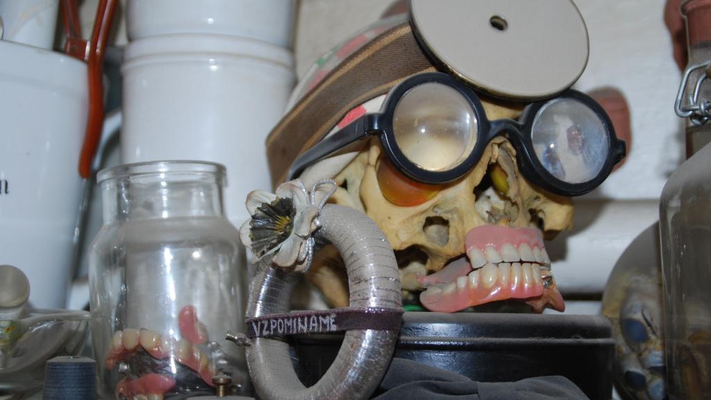 Předměty zabavené vykradačům hrobů
