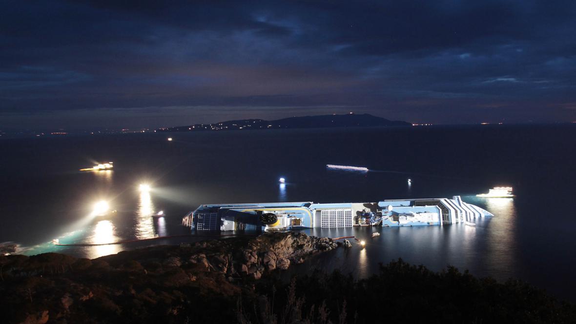 Havarovaná loď Costa Concordia