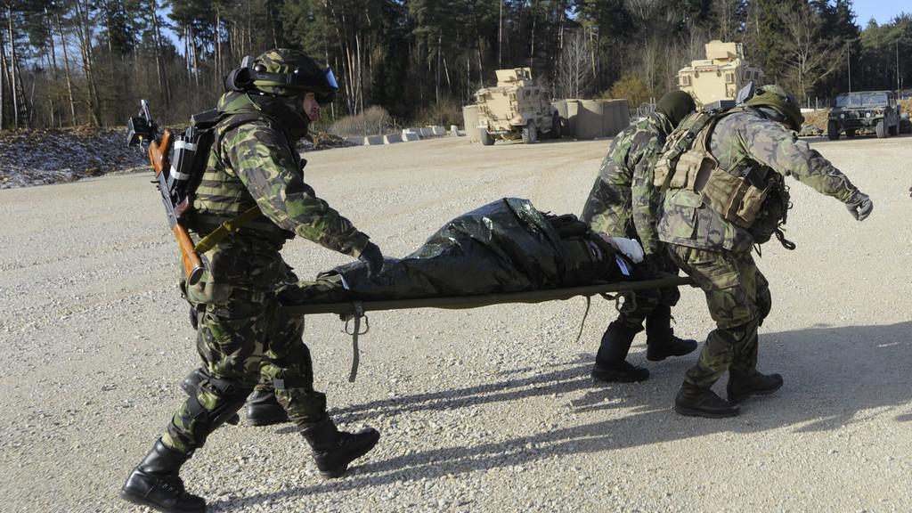 Cvičení vojsk NATO v Německu