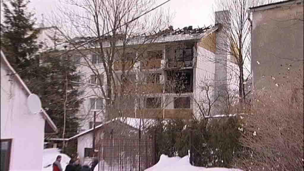 Vyhořelé byty ve Vrbně p. Pradědem