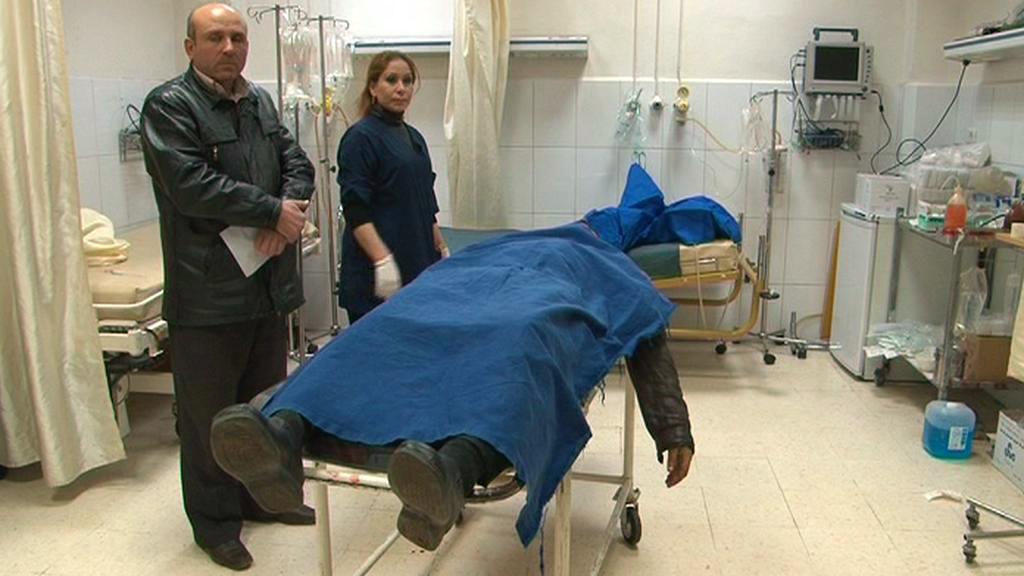 Mrtvola muže, kterého údajně zastřelili ozbrojenci