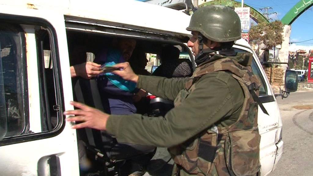 Kontrola vozidel v Damašku