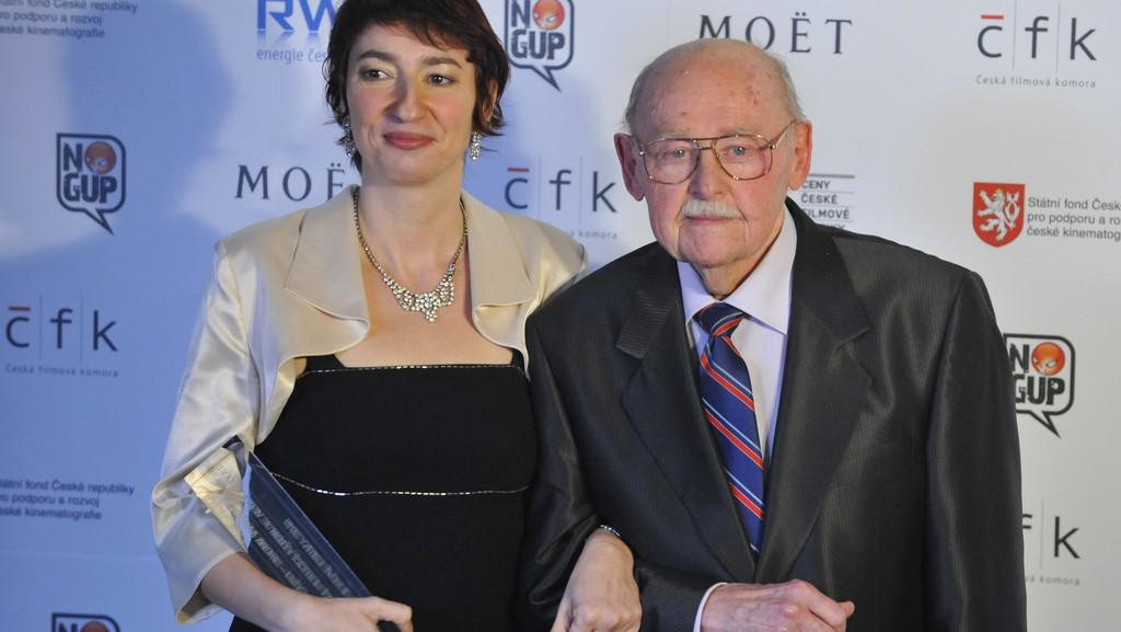 Ceny české filmové kritiky 2011 / Simona Babčáková (vedlejší role) s Lubomírem Lipským