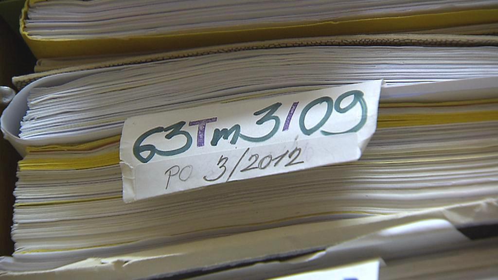 Papírové soudní spisy