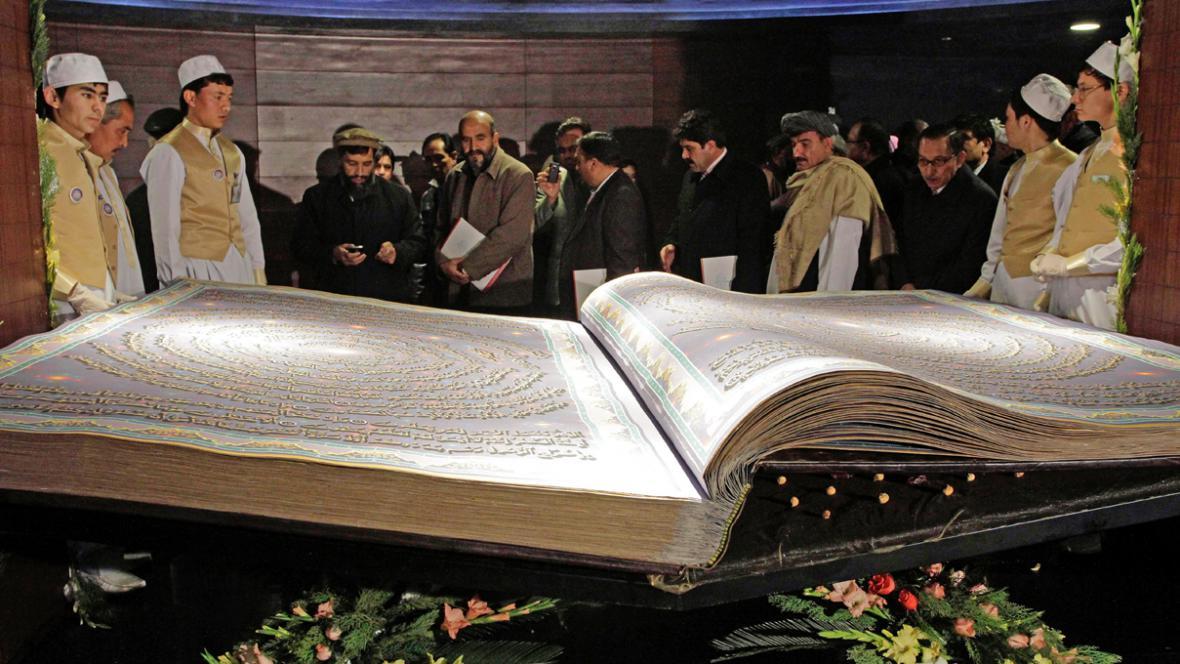 V Kábulu představili největší korán na světě