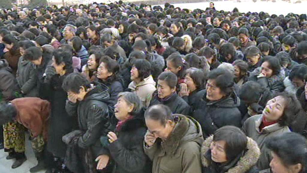 Truchlící davy v Severní Koreji