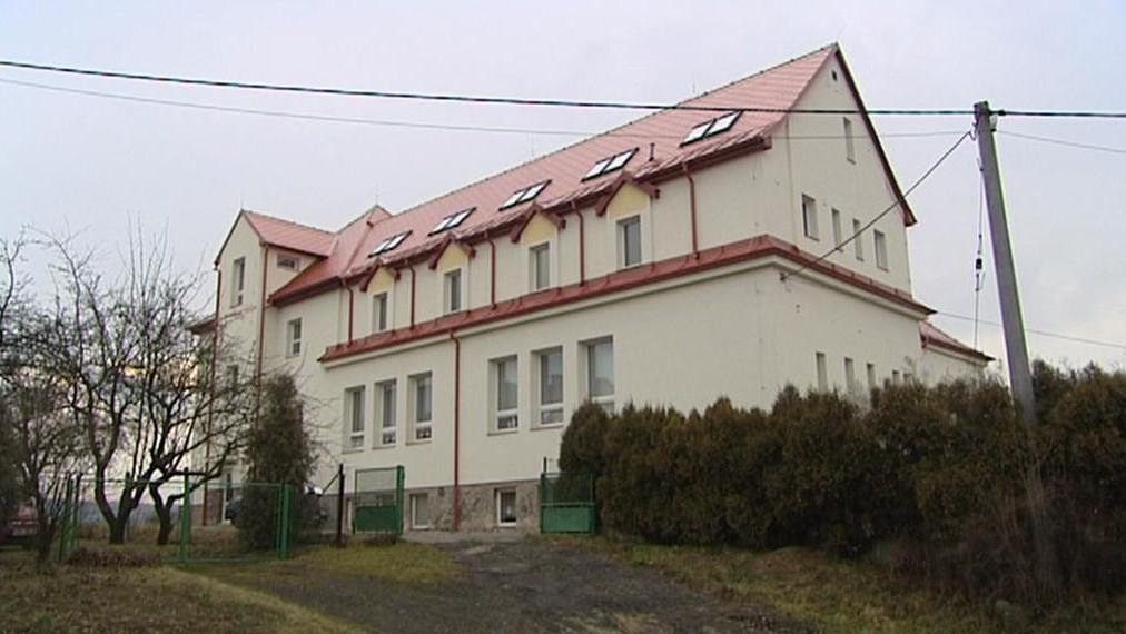 Škola v Choustníkově Hradišti