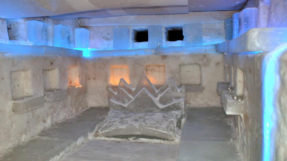 Hotelový pokoj v moskevském ledovém městečku
