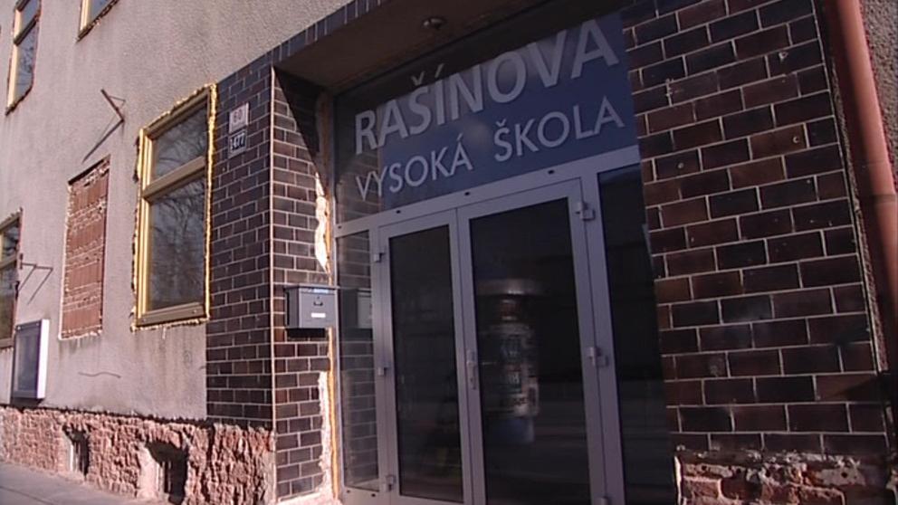Rašínova vysoká škola v nové budově