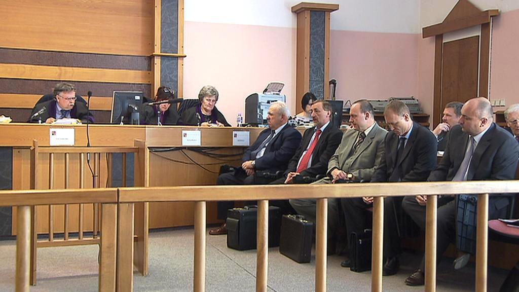 Soud s Chvalovským