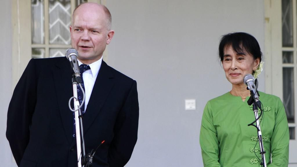 William Hague a Su Ťij