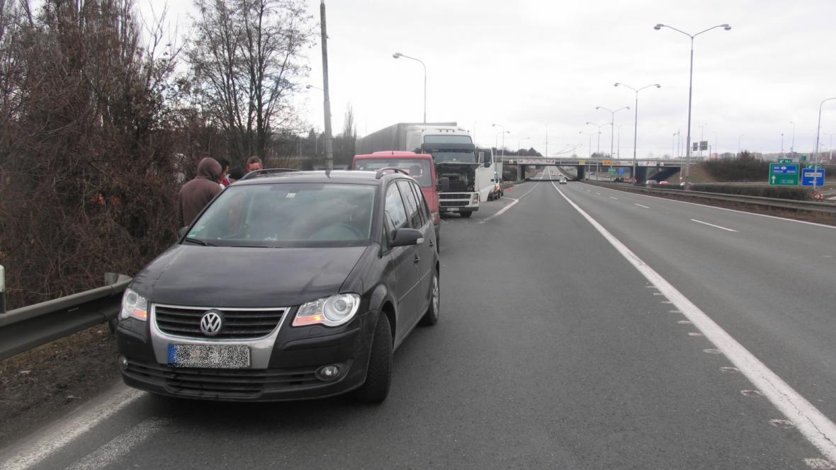 Nedání přednosti při vjíždění na dálnici často končilo nehodami