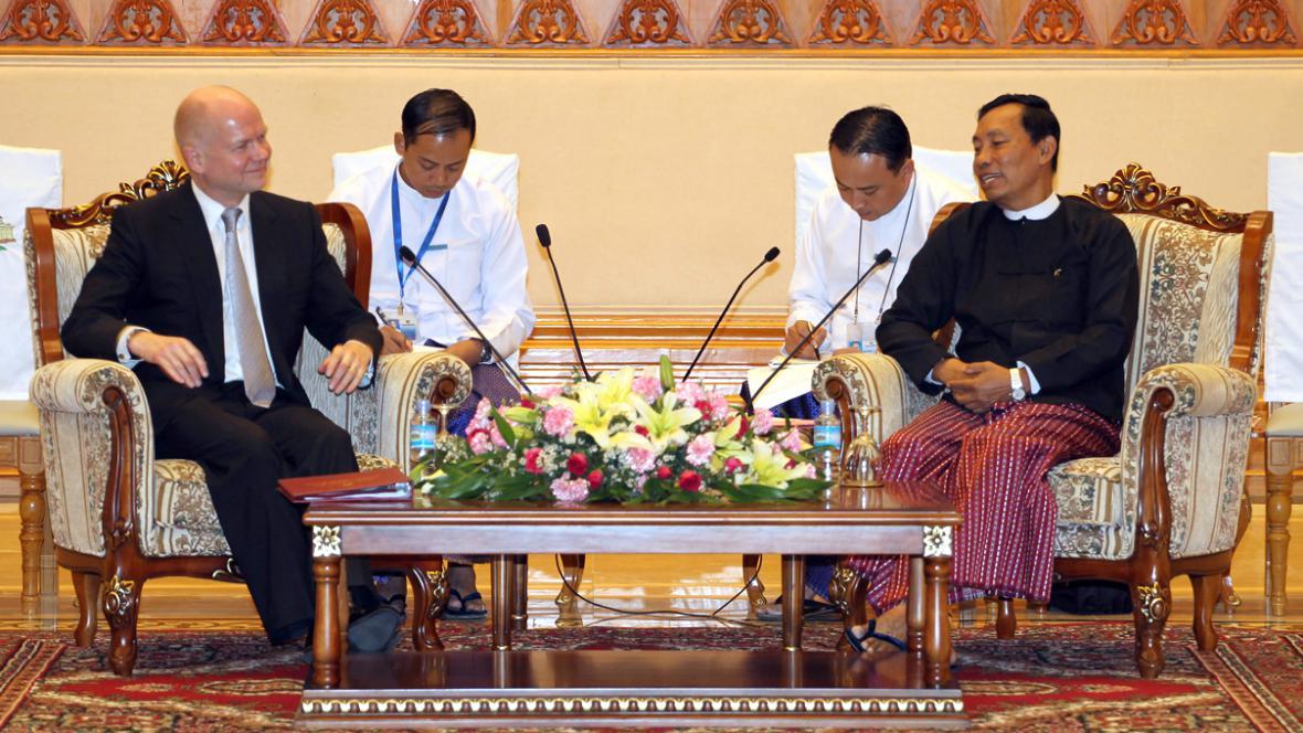 William Hague na návštěvě v Barmě