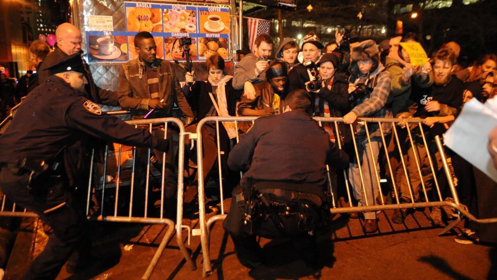 Zatýkání demonstrantů hnutí Okupujte Wall Street