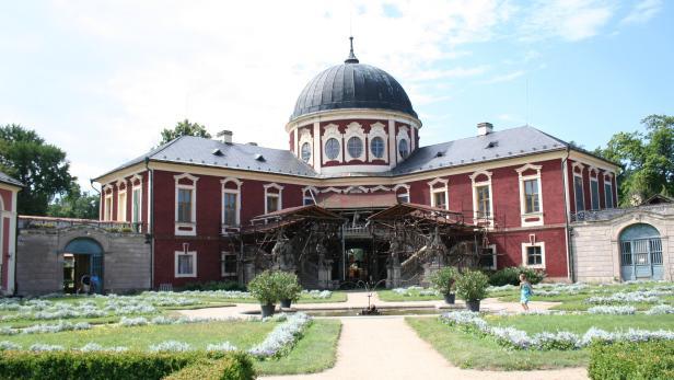 Barokní zámek Veltrusy