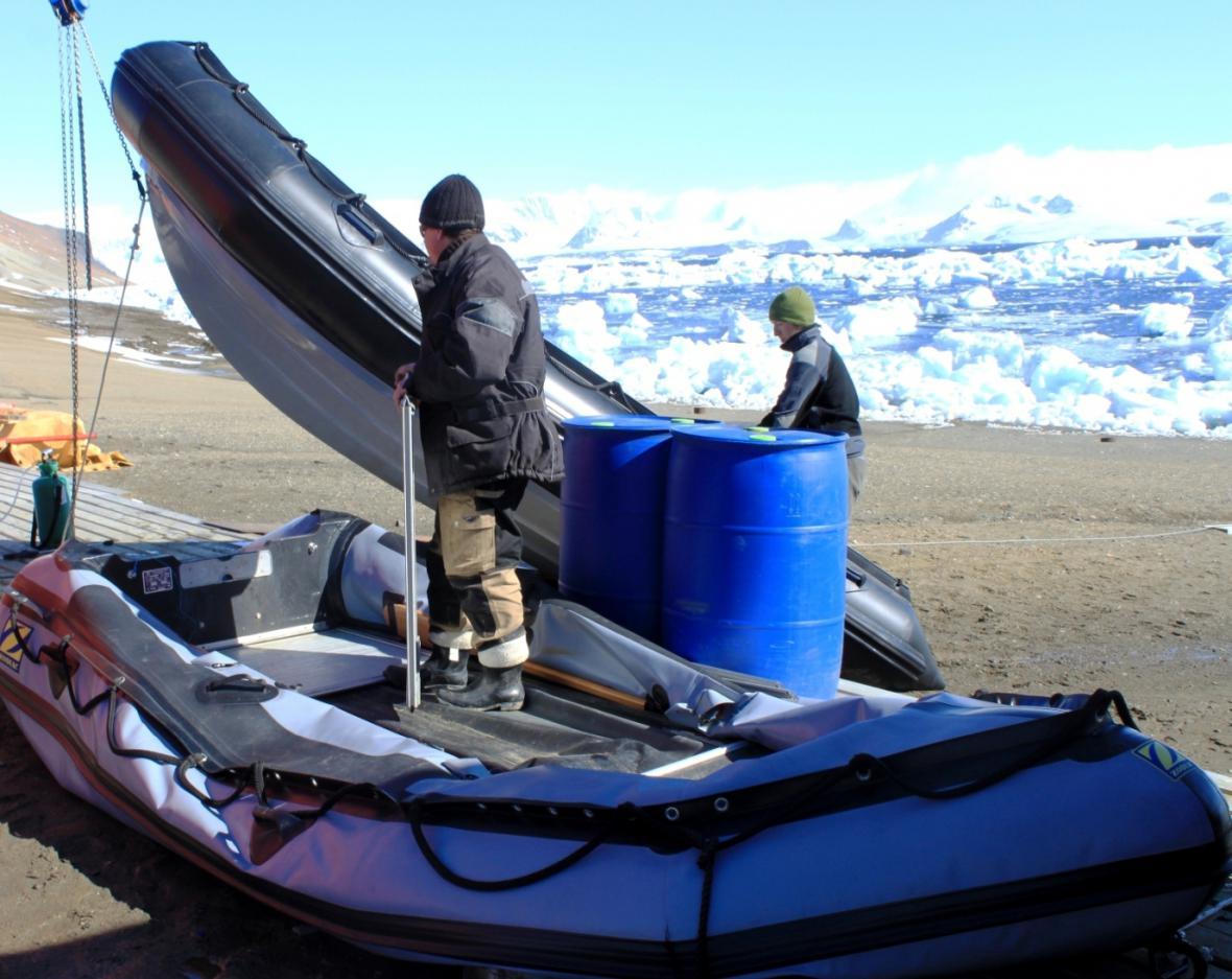 Údržba gumových člunů před jejich uskladněním na zimu
