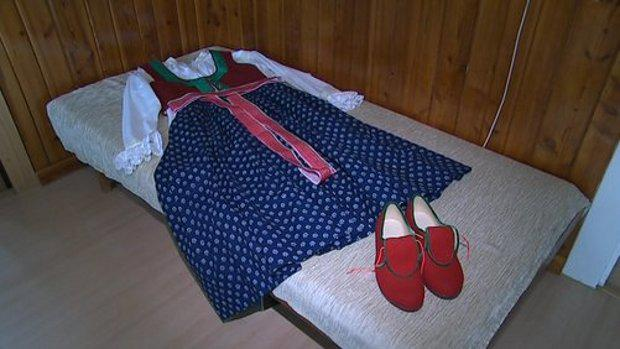 Obnovený ženský kroj v Březovicích na Zlínsku