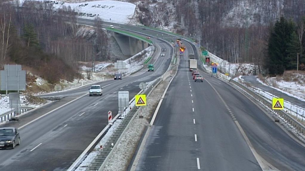 Silnice mezi Chebem a Karlovými Vary