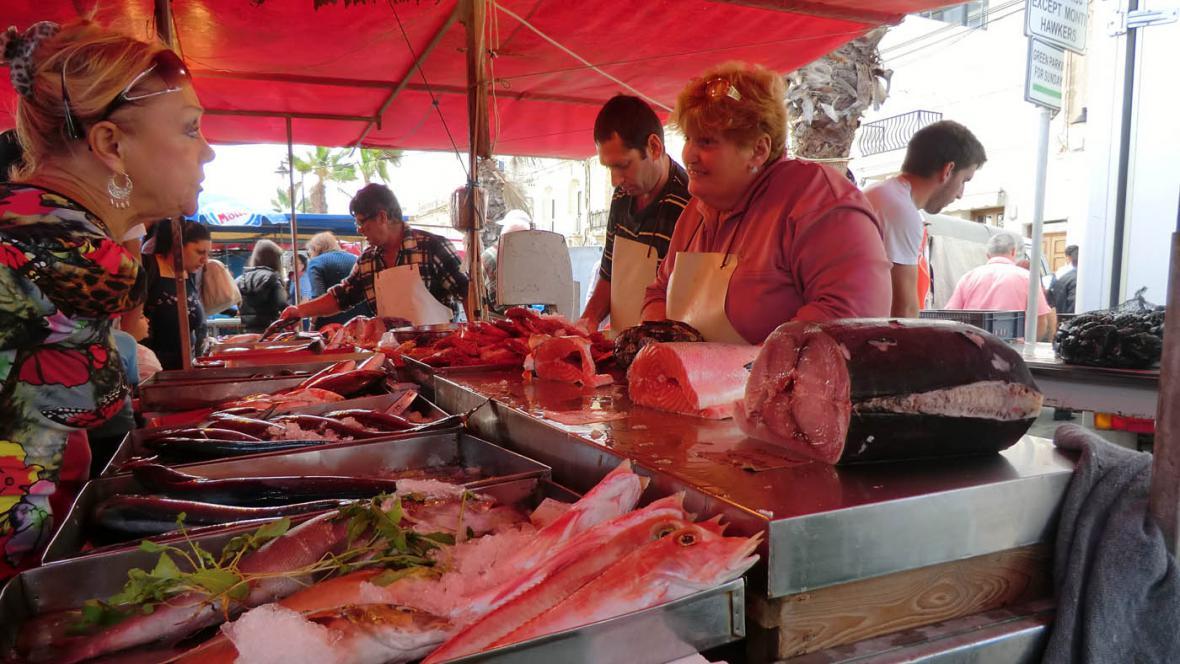 Trh s rybami