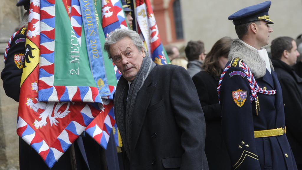 Alain Delon na pohřbu Václava Havla