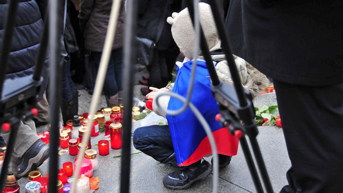 Na Hrad se přišly s Václavem Havlem rozloučit tisíce lidí