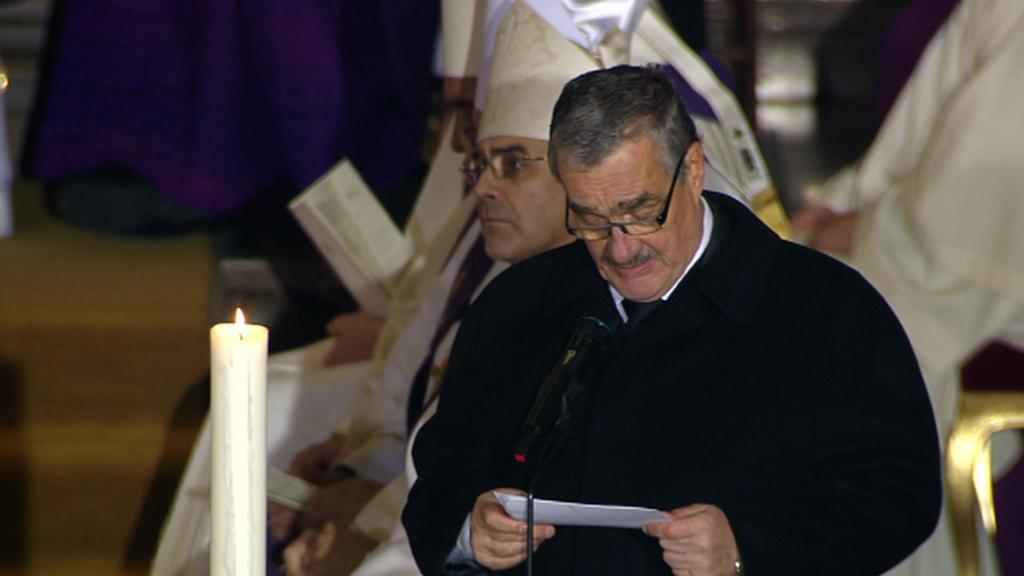 Karel Schwarzenberg na pohřbu Václava Havla
