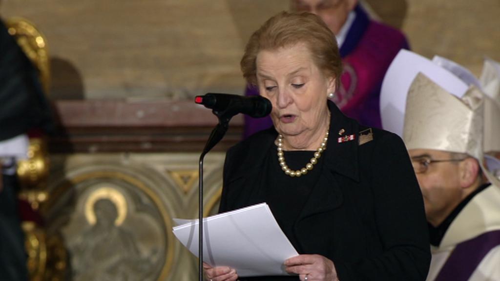Madeleine Albrightová při proslovu