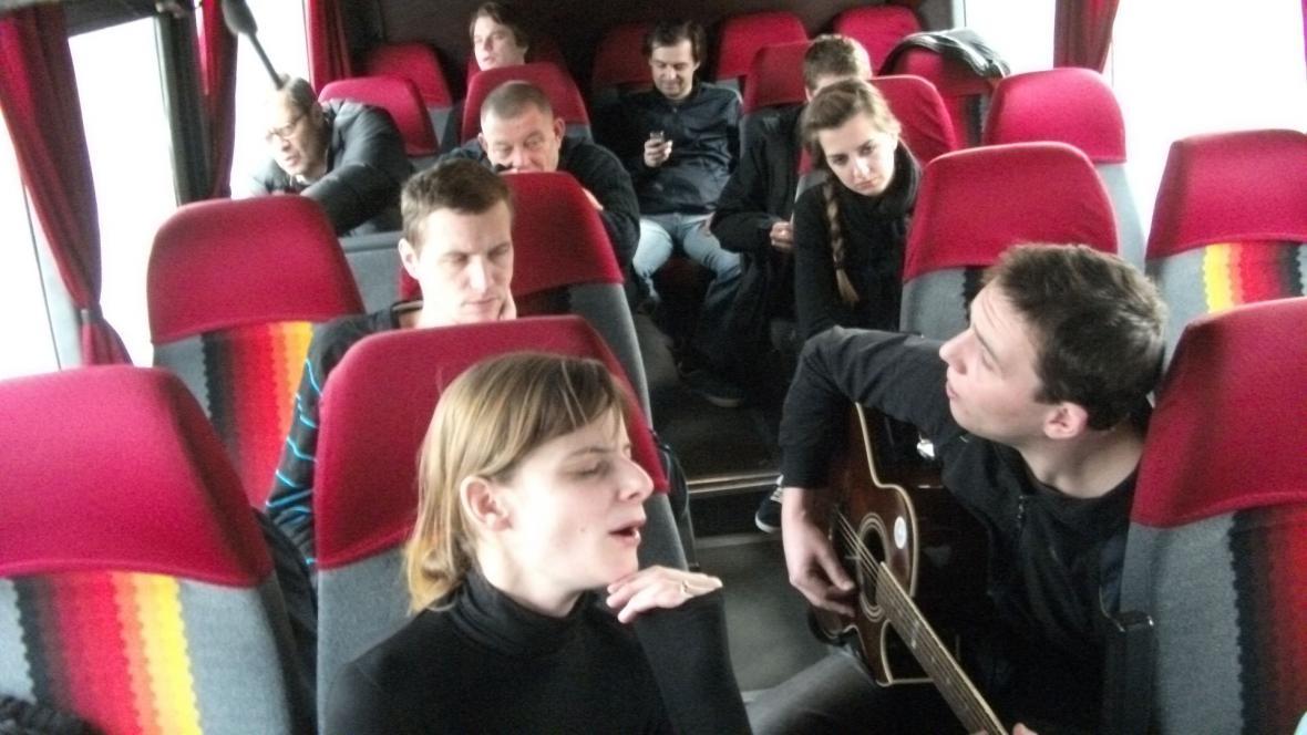 Cesta divadelníků na pohřeb Václava Havla