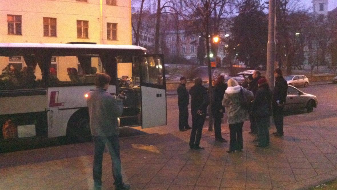 Cesta brněnských divadelníků na pohřeb Václava Havla