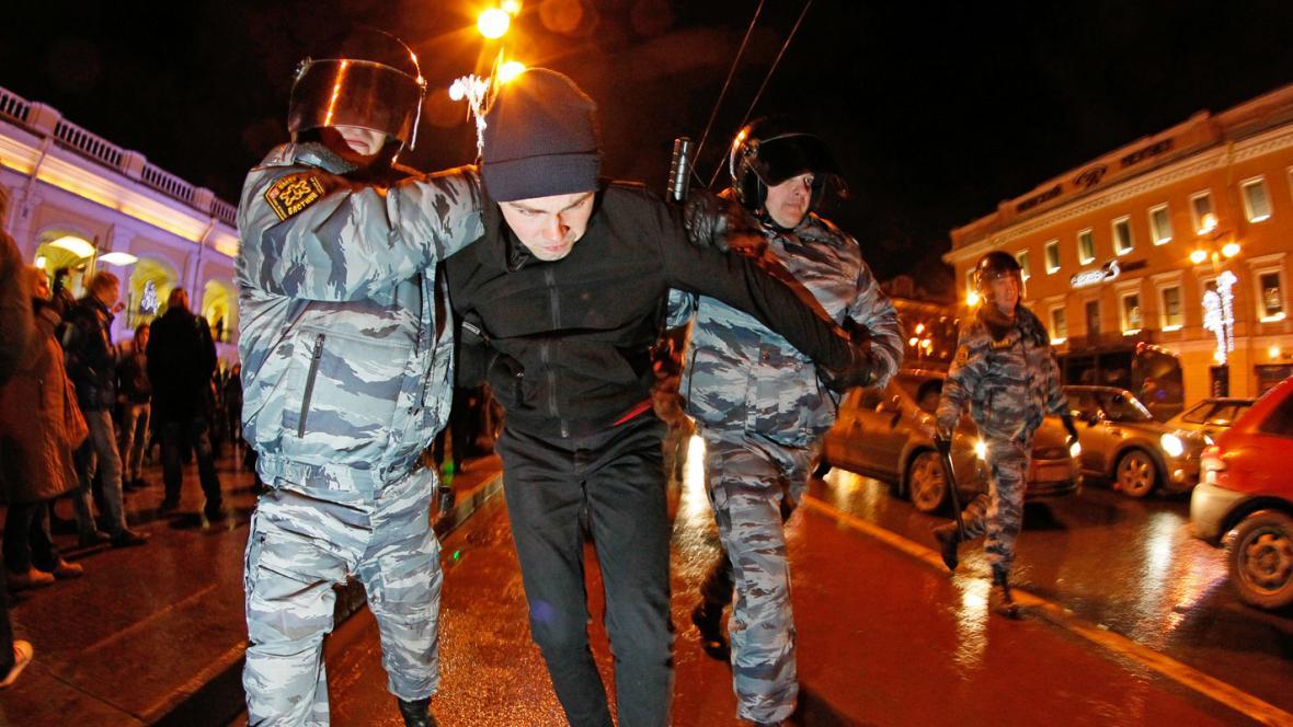 Moskevská policie zatýká demonstranty