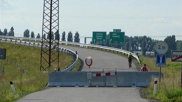 Uzavřený most za Pravčicemi