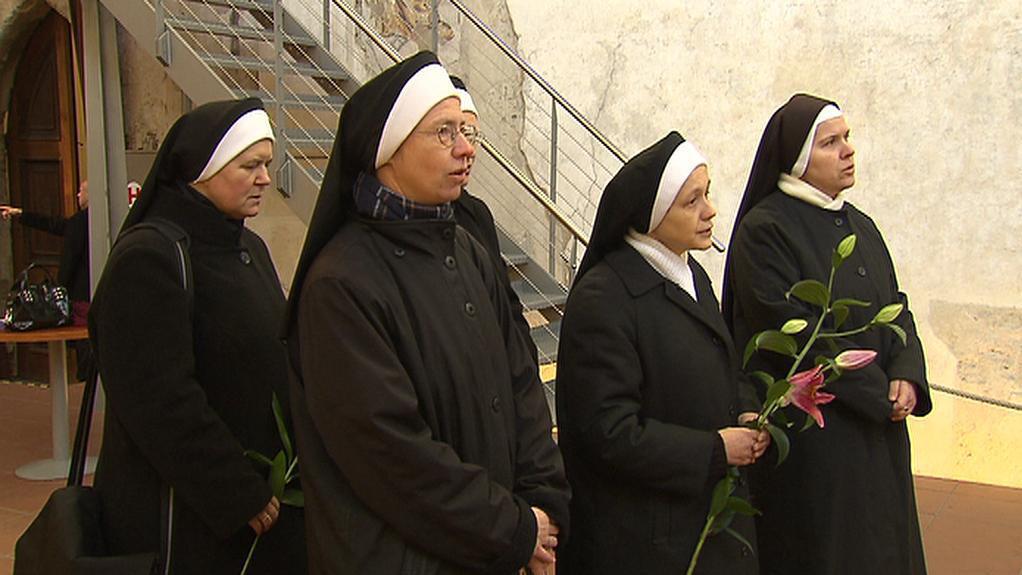 Sestry boromejky se loučí s Václavem Havlem