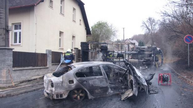 Shořelá auta