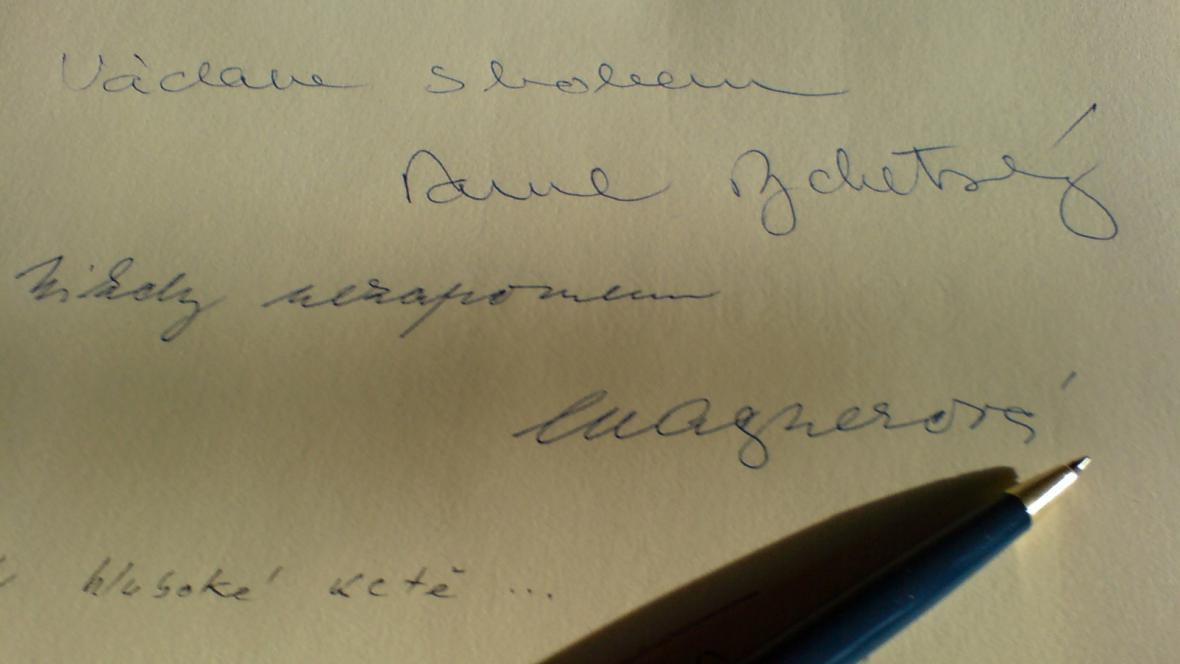 Kondolenční listinu podepsal i předseda Ústavního soudu Pavel Rychetský