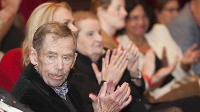 Václav Havel při oslavě svých 75. narozenin