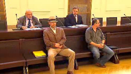 Marek Řičář (vlevo) u soudu