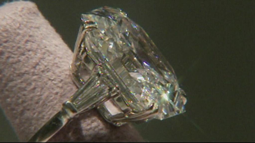 33 karátový diamantový prsten