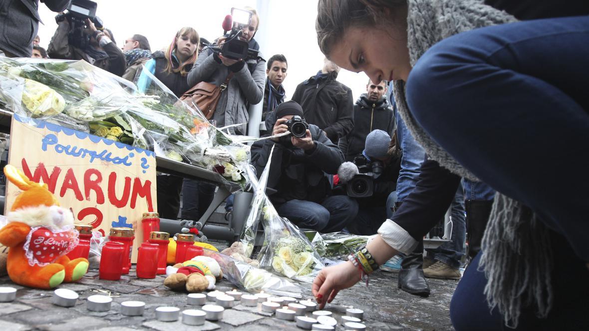 Lutych smutní za oběti včerejší střelby