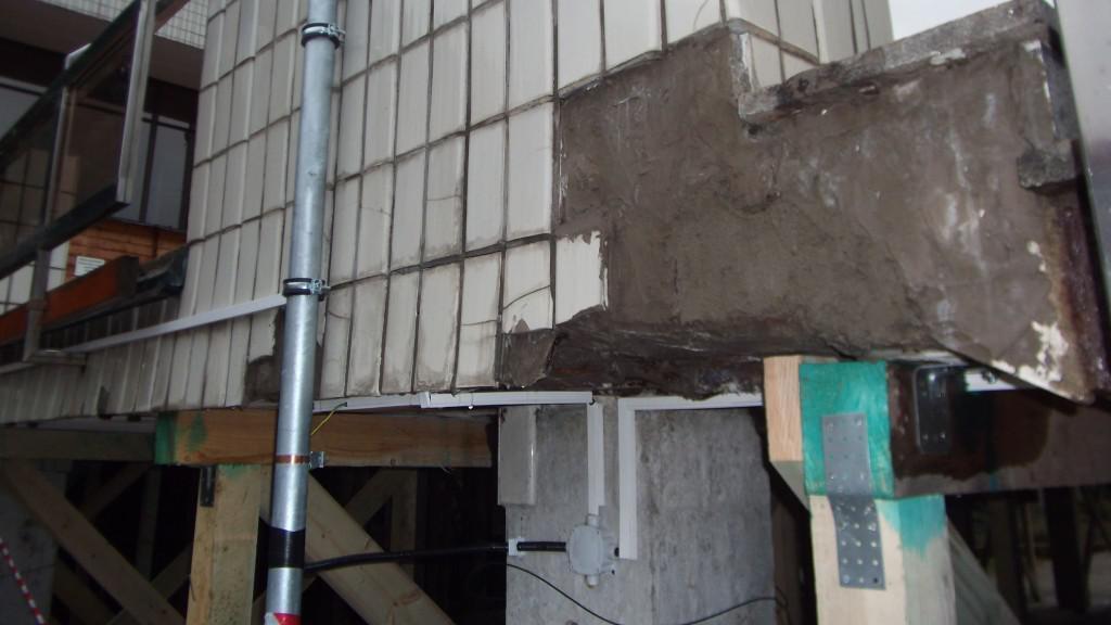 Terasa kulturního domu je v havarijním stavu