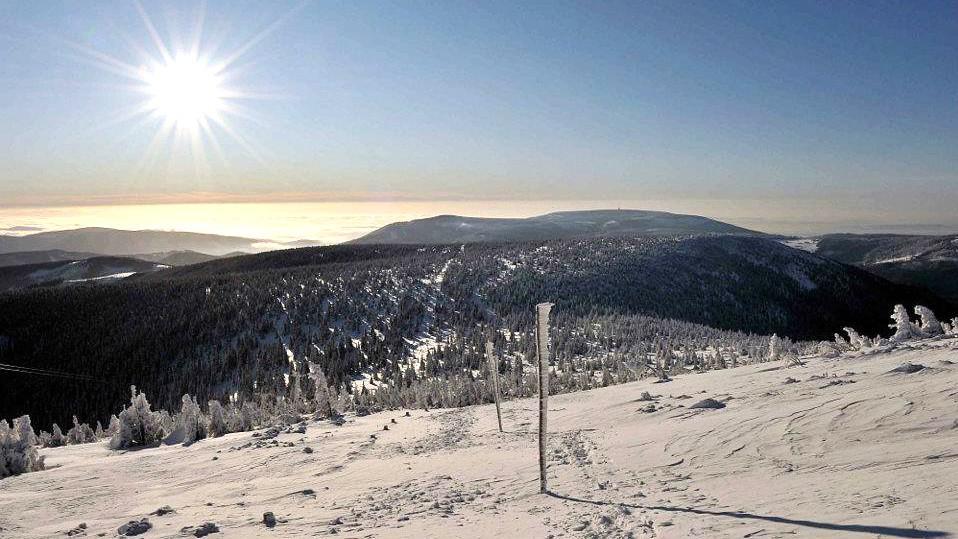 Krkonoše - Pohled z úbočí Sněžky na jih
