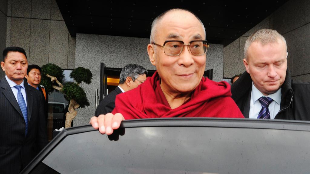 Dalajlama na ruzyňském letišti